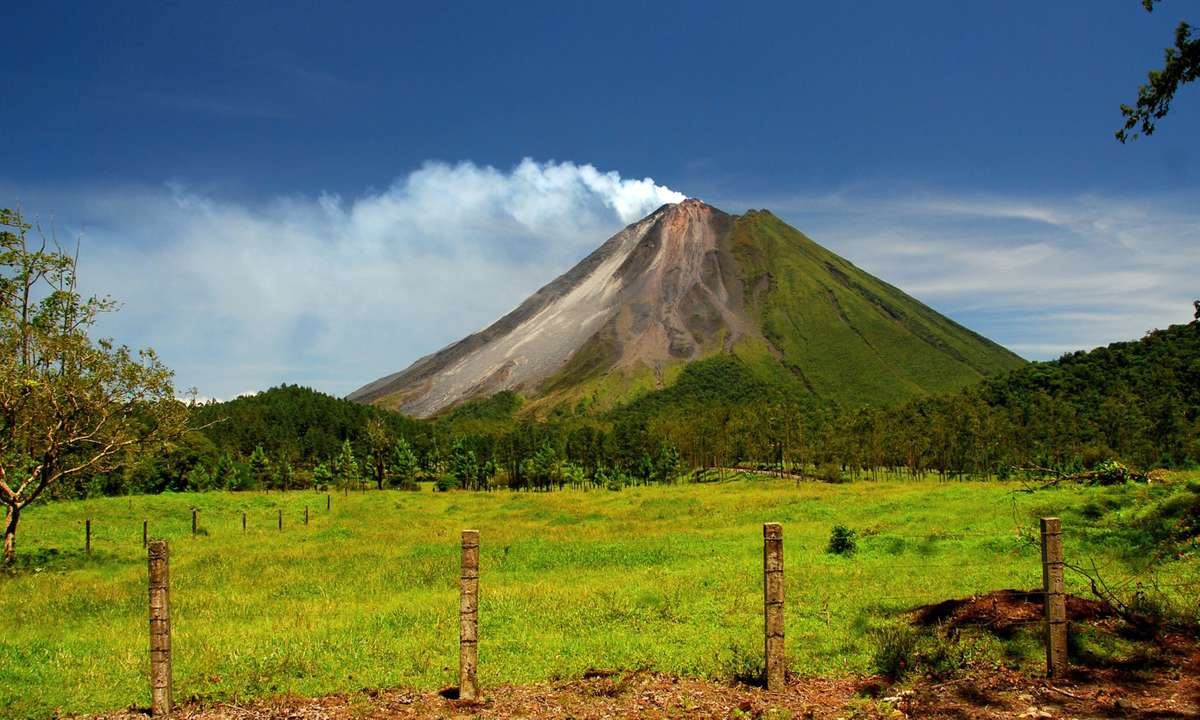 Arenal volcano (Dreamstime)