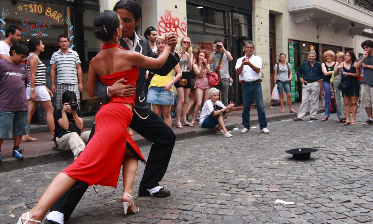 Street tango in Buenos Aires (Dreamstime)