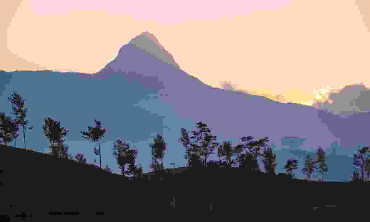 Adam's Peak at sunrise (Dreamstime)