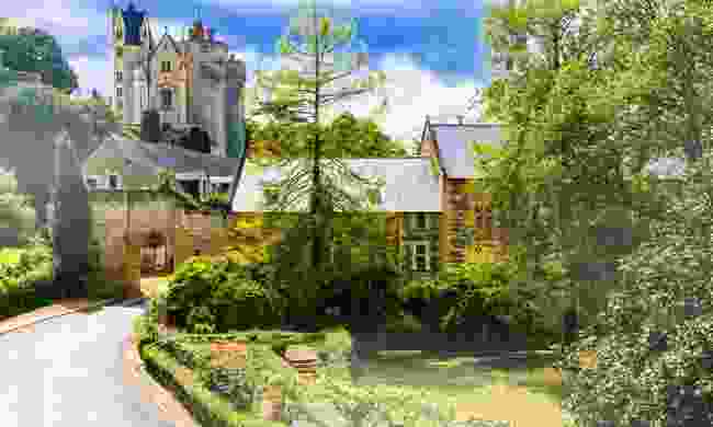 Montreuil-Bellay castle in the Loire Valley (Dreamstime)