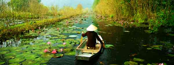 On the way to Huong pagoda in autumn (Shutterstock)