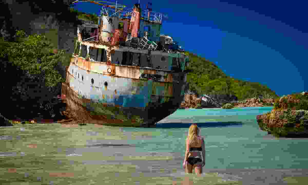 Approaching the wreck of the Sarah near Sandy Ground, Anguilla (Shutterstock)