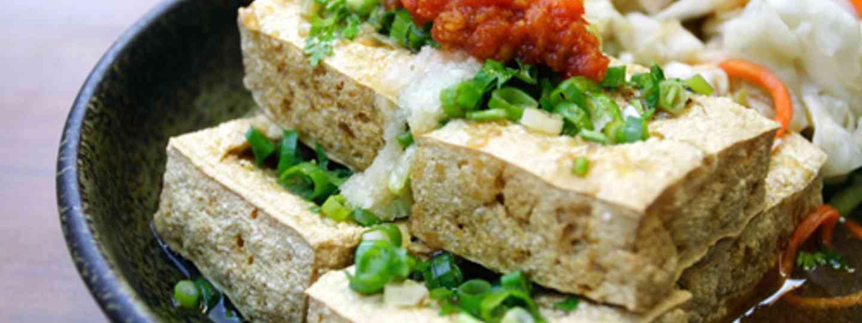 Stinky tofu (Taiwan Tourist Board)