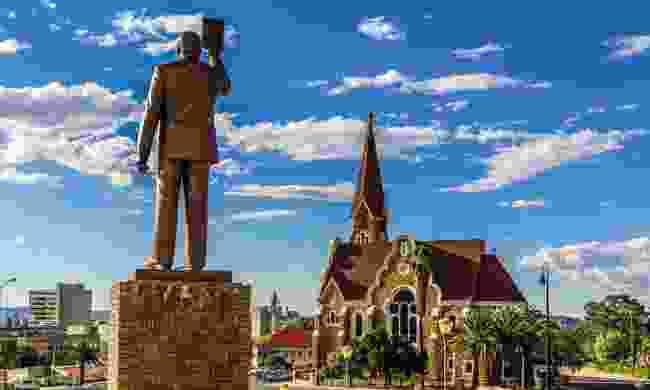 A statue of anti-apartheid revolutionary Sam Nujoma (Dreamstime)