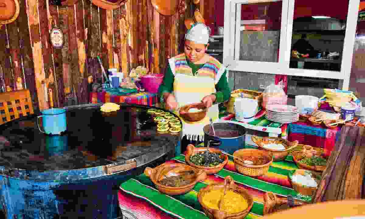 Taste local cuisine in Oaxaca (Shutterstock)