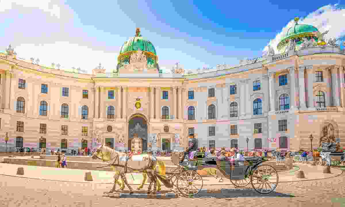 A horse and carriage outside the Hofburg (Shutterstock)