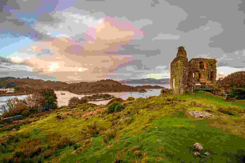 Tarbert Castle (Shutterstock)