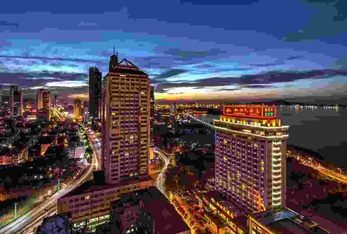 Yantai city at night (Dreamstime)