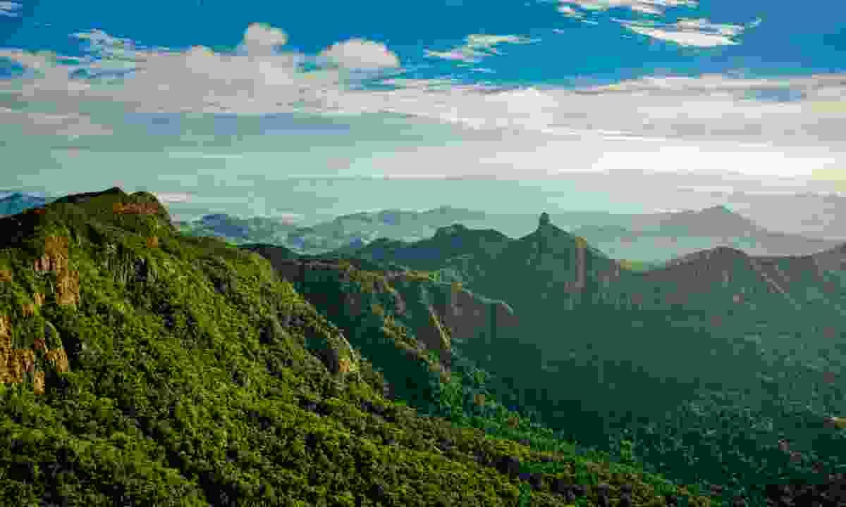 Scenic Mountain Ranges (Tourism Fiji)