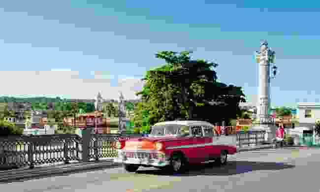 Matanzas bridge and Versailles district (Claire Boobbyer)