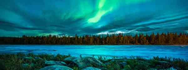 The Northern Lights in autumn (AuroraZone.com)