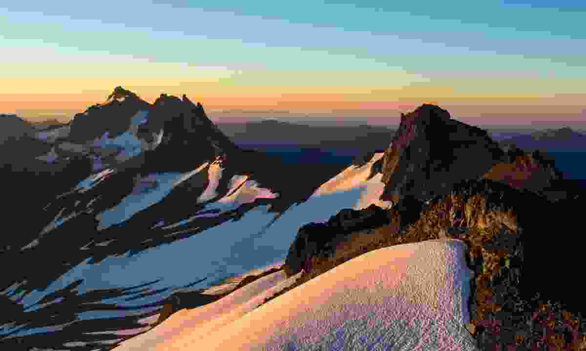 Sunrise over Goat Rocks Wilderness (Dreamstime)