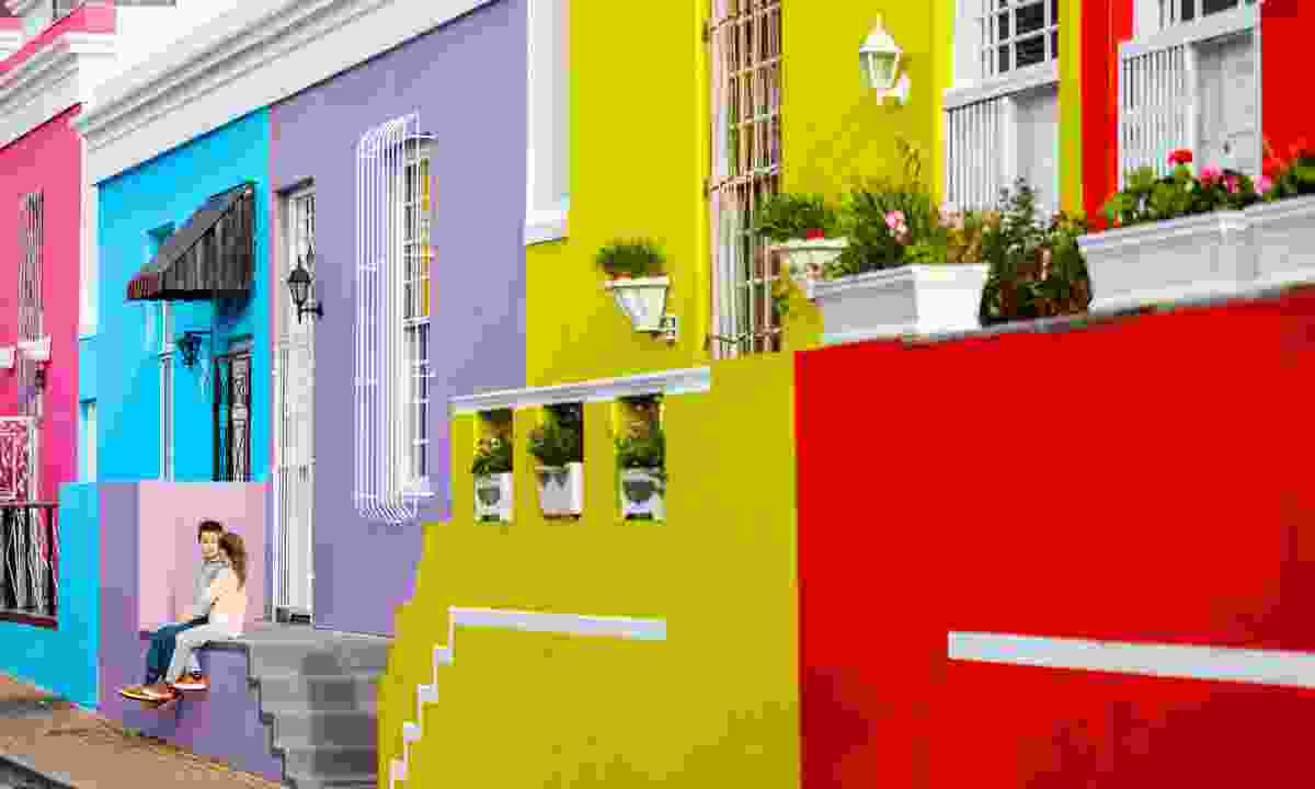 Kids sitting on steps in the Bo-Kaap quarter (Shutterstock)