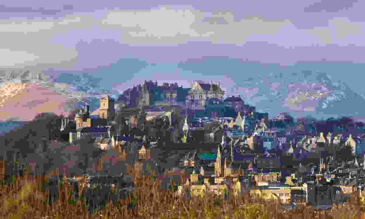Stirling Castle and the old town with the Highlands in the background (Shutterstock)