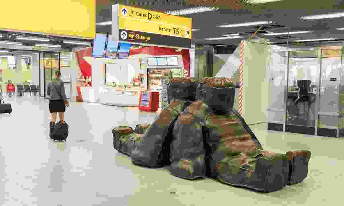 Sculptures in Schiphol Airport (Dreamstime)