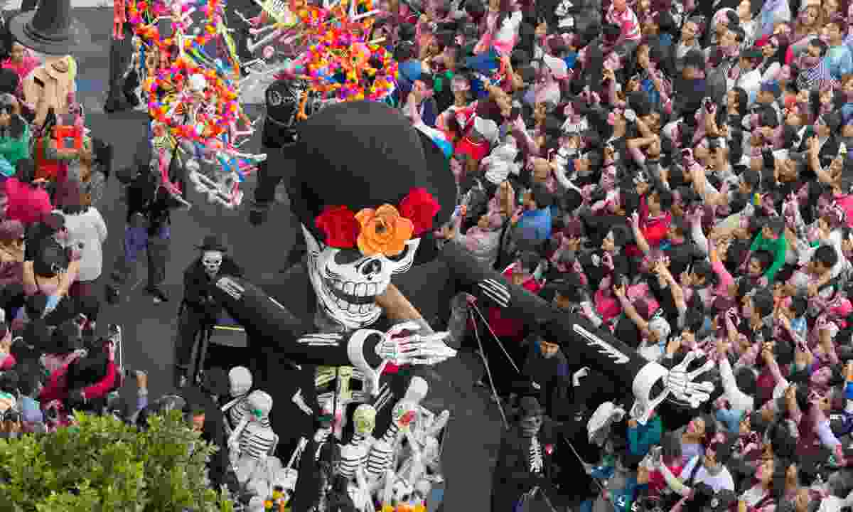 Day of the Dead parade in Mexico City (Dreamstime)