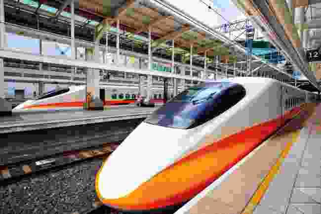 Japan Rail (Shutterstock)