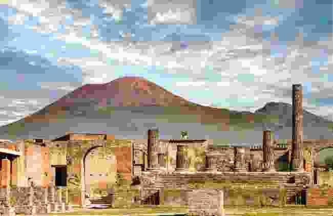 Pompeii and Vesuvius (Shutterstock)