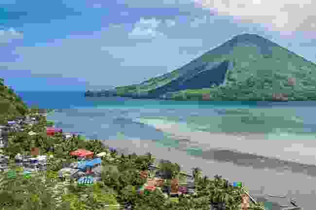 Gunung Api volcano from neighbouring Banda Besar (Alex Robinson)