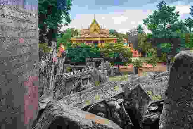 The Buddhist Wat El Phnom (Alex Robinson)