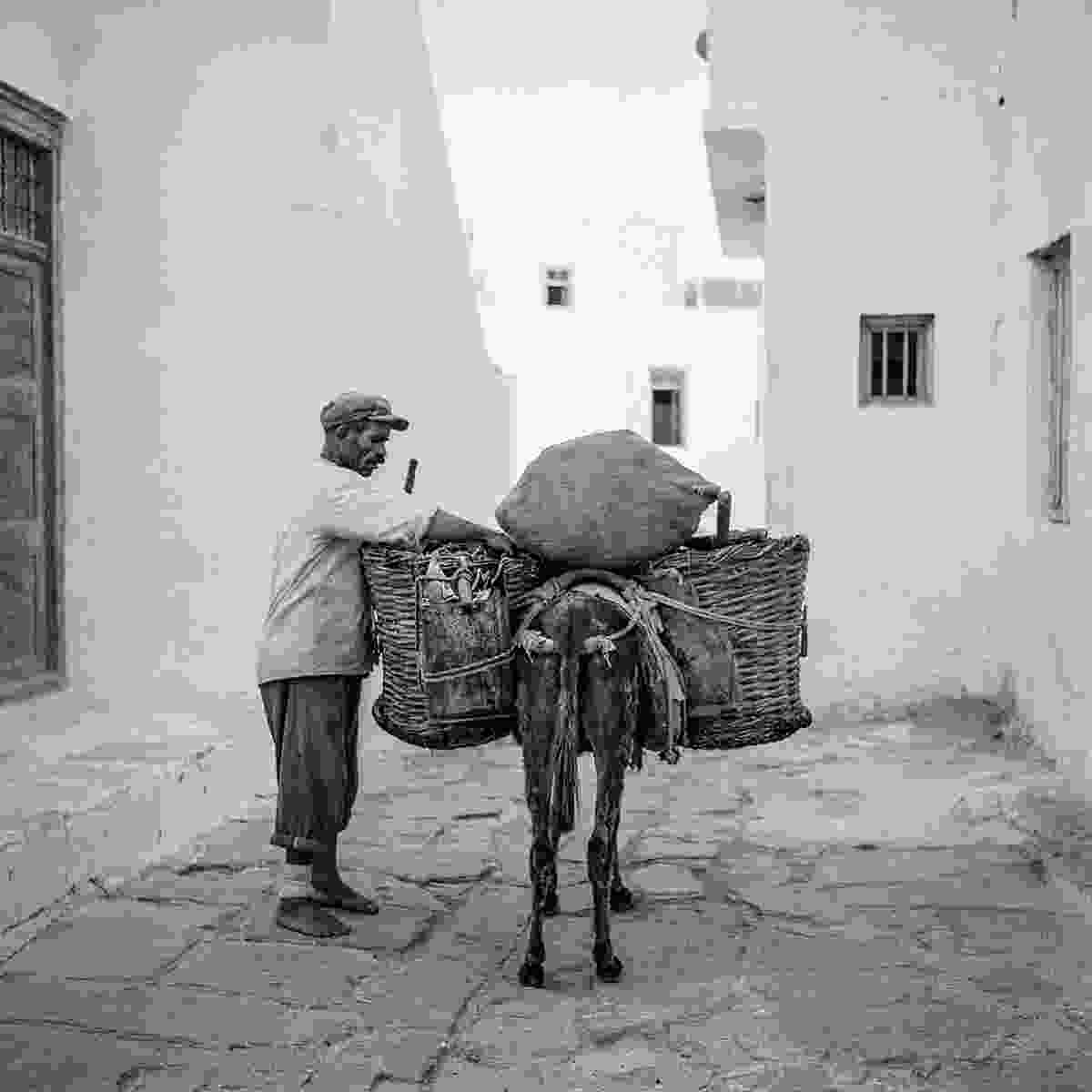 Dimitris Syrianos, the garbage collector in Chora in 1955 (Robert A. McCabe)