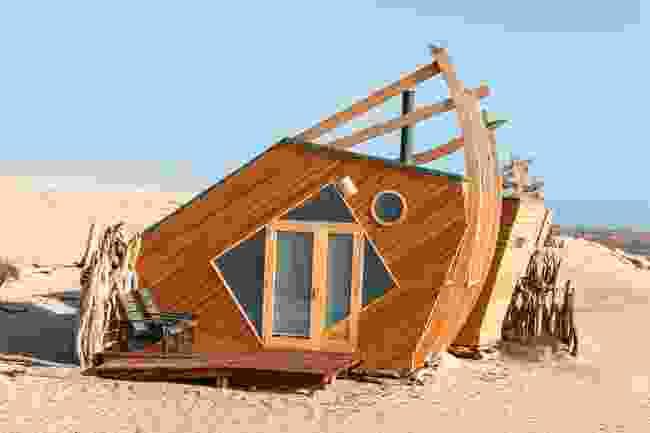 (Shipwreck Lodge)