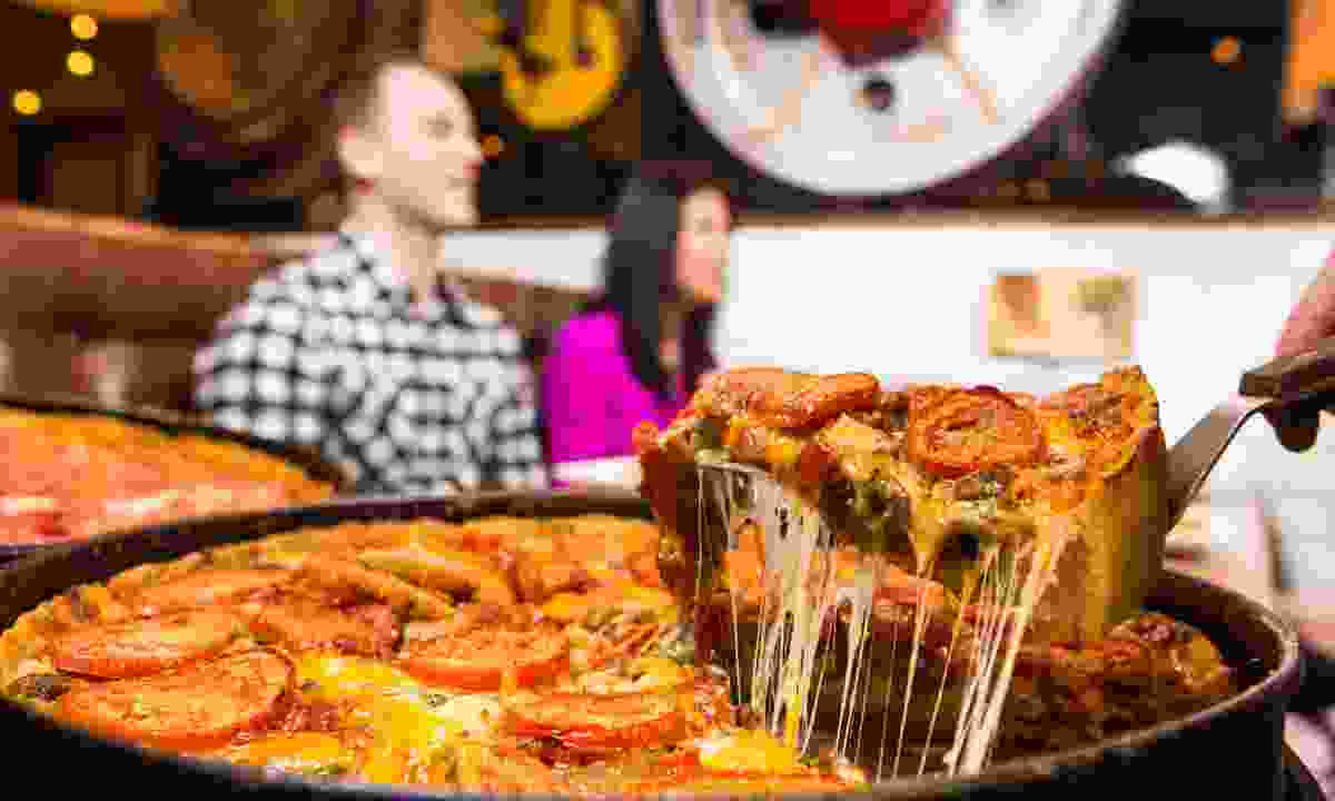 Chicago-style deep dish pizza pie (Adam Alexander Photography Photo/Choose Chicago)
