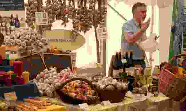 Garlic and cider seller in Ludlow (Dreamstime)