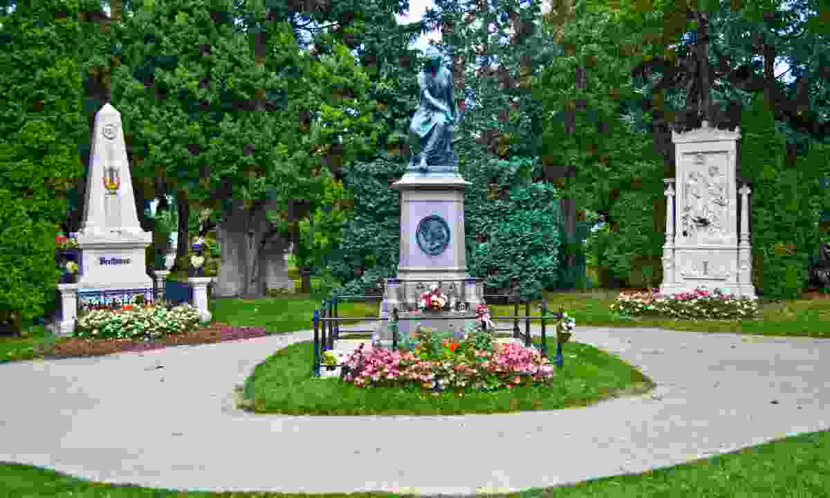Graves of composers Mozart, Beethoven and Schubert, Zentralfriedhof Cemetery (Dreamstime)