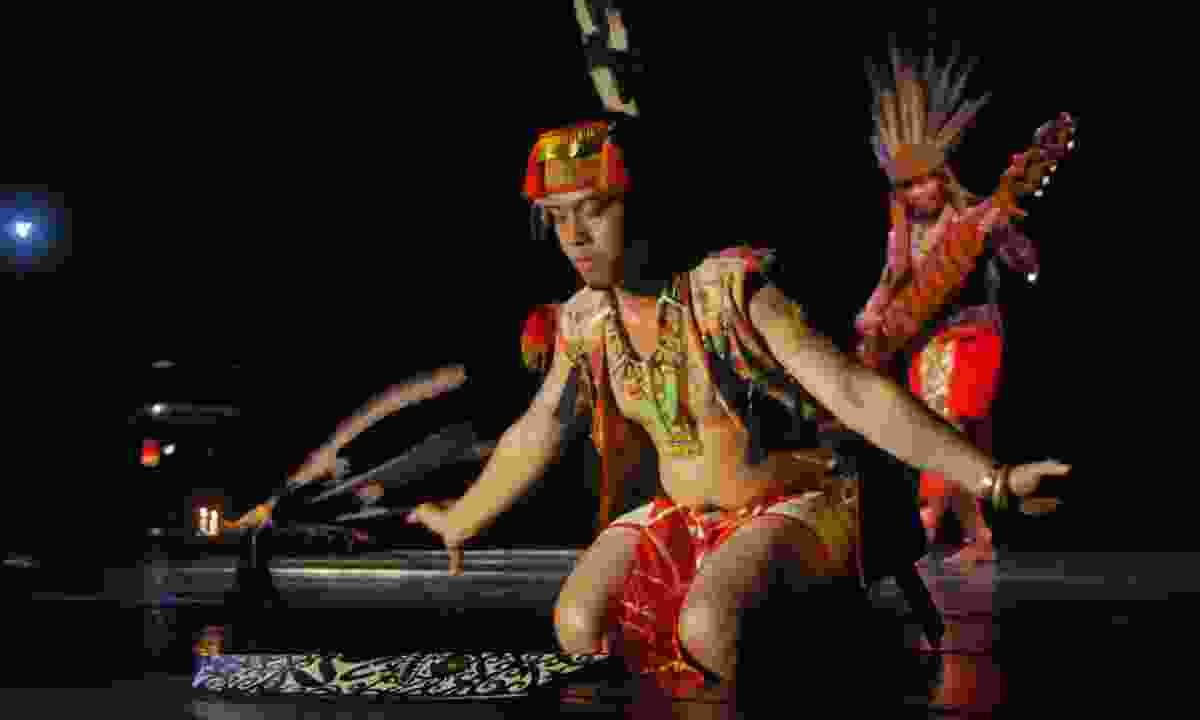Dayak dancers (Dreamstime)