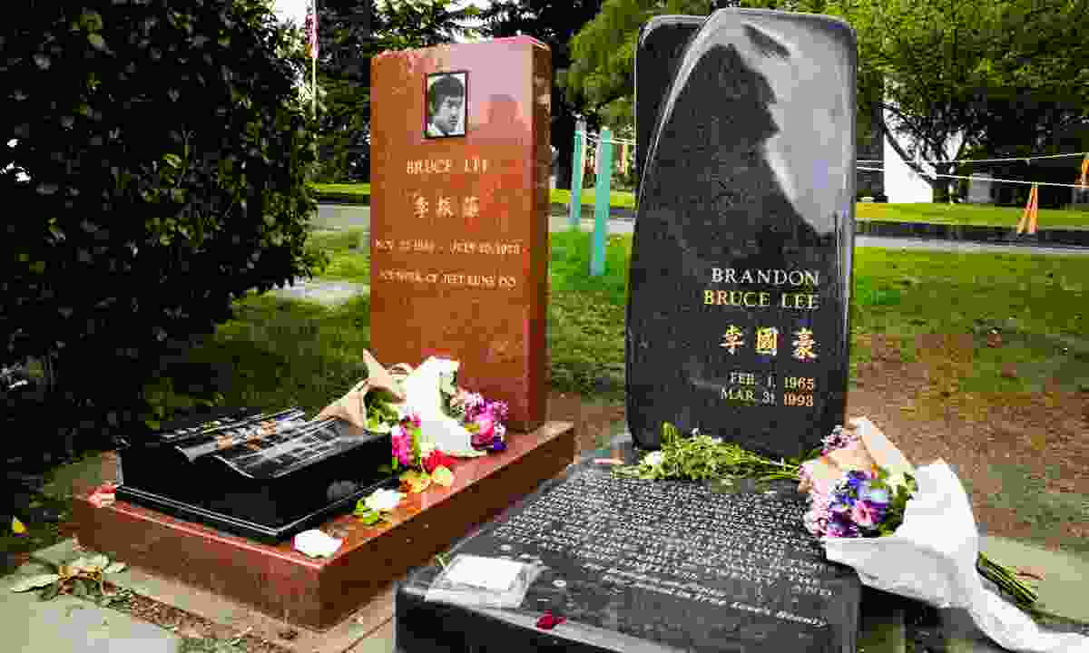 The graves of Bruce Lee and his son, Brandon (Dreamstime)