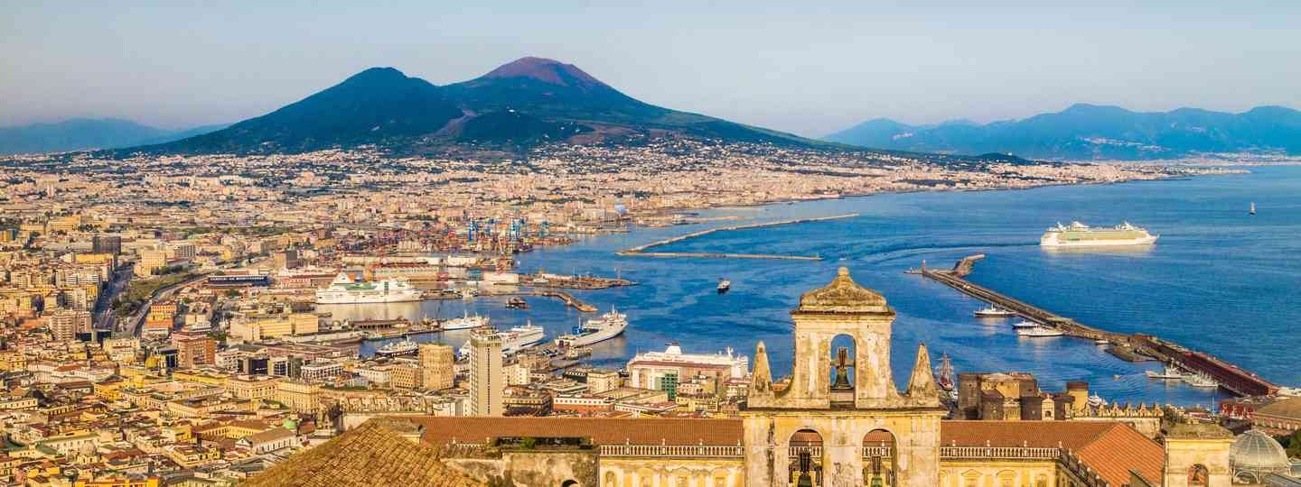 Naples in golden evening light (Dreamstime)