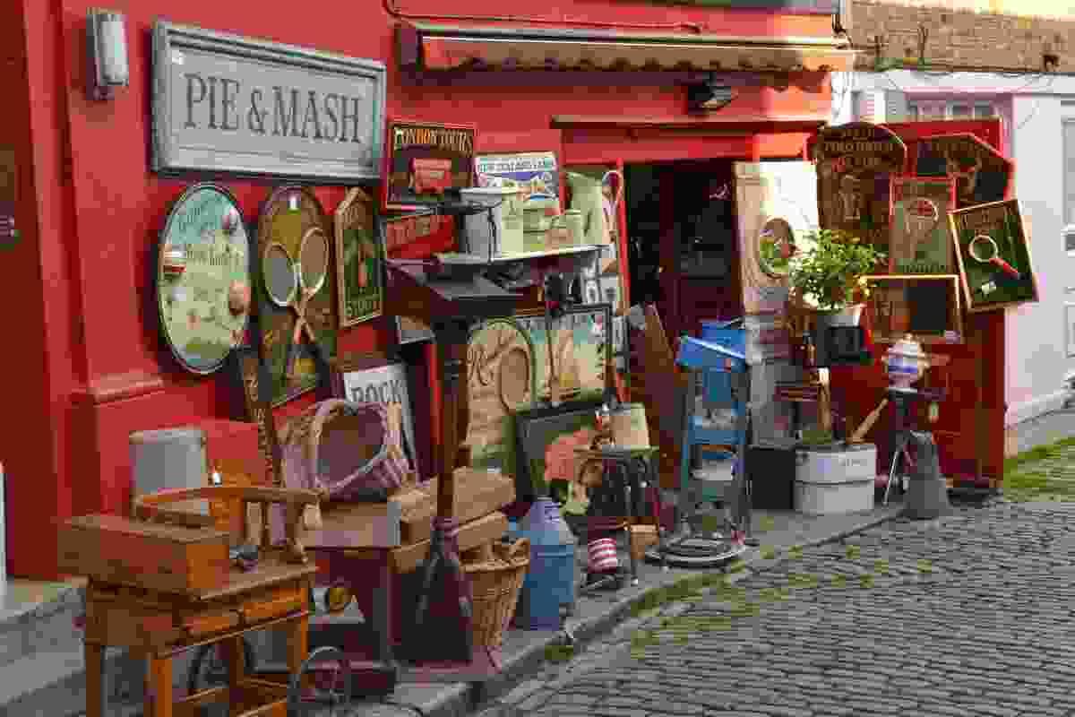 An antique shop on Portobello Road (Dreamstime)