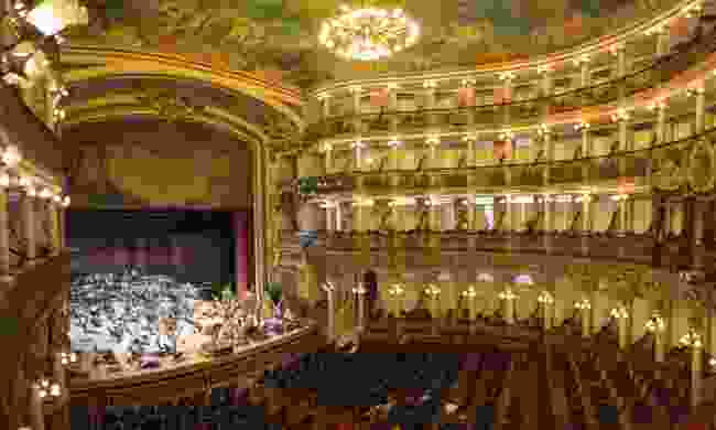 Interior of Teatro Amazonas (Dreamstime)