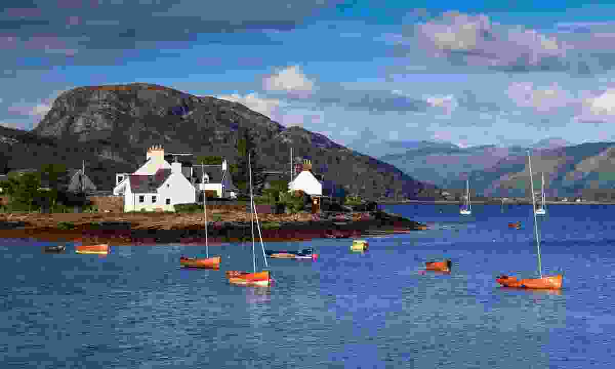 Village of Plockton in Scotland (Shutterstock)