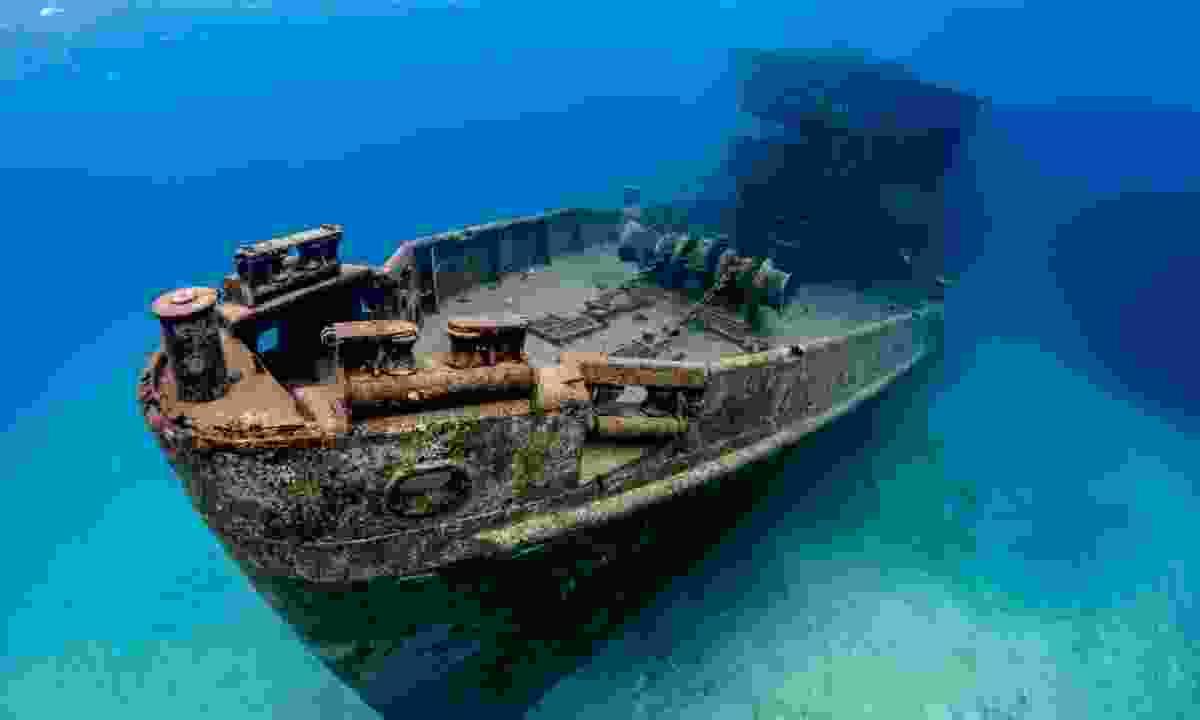 The underwater wreck of the U.S.S. Kittiwake (Shutterstock)