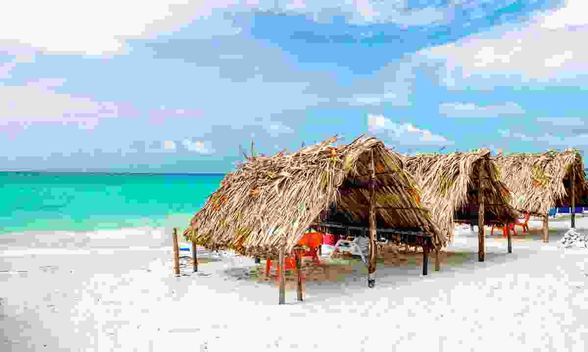 Shelters at the beach on Rosario Islands (Shutterstock)