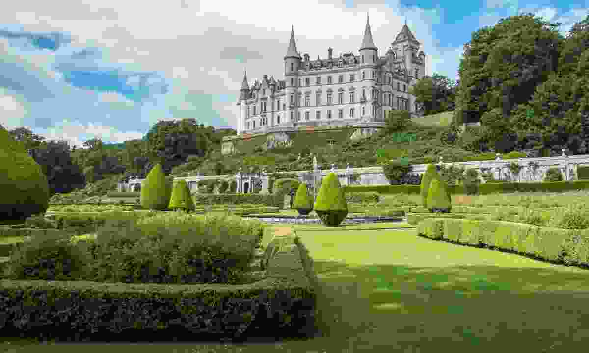 The fairy tale Dunrobin Castle and gardens in Sutherland (Shutterstock)