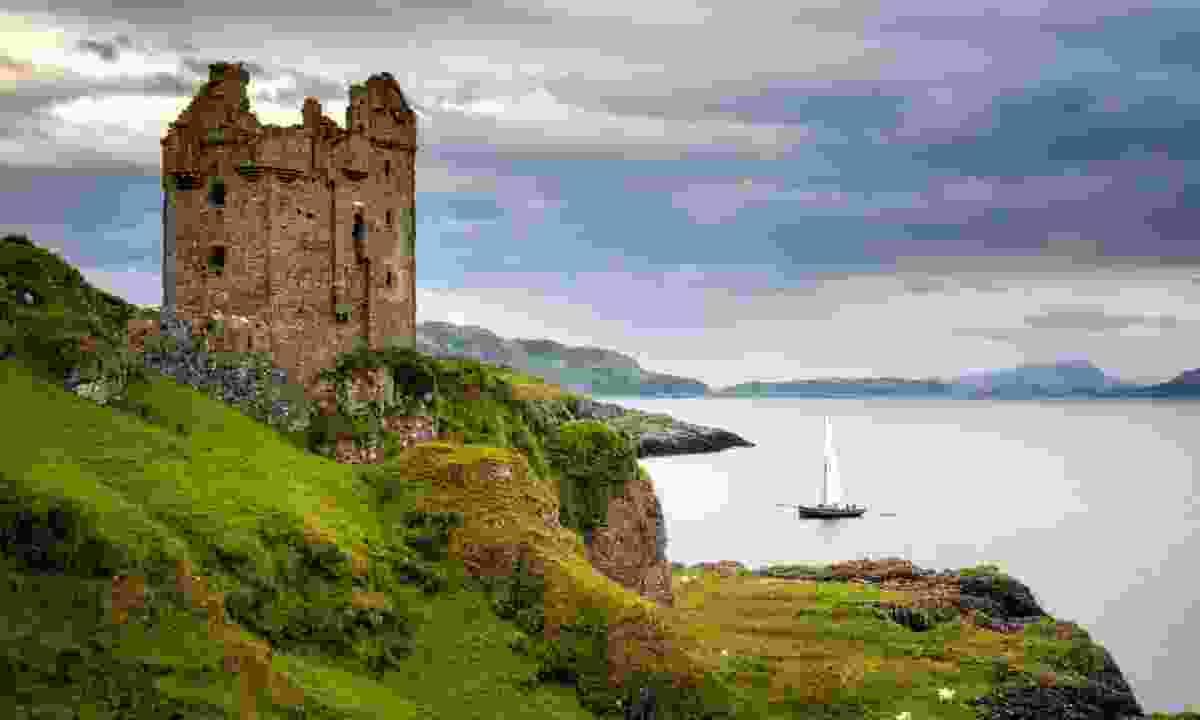 Sailing boat near Gylen Castle, Scotland (Dreamstime)
