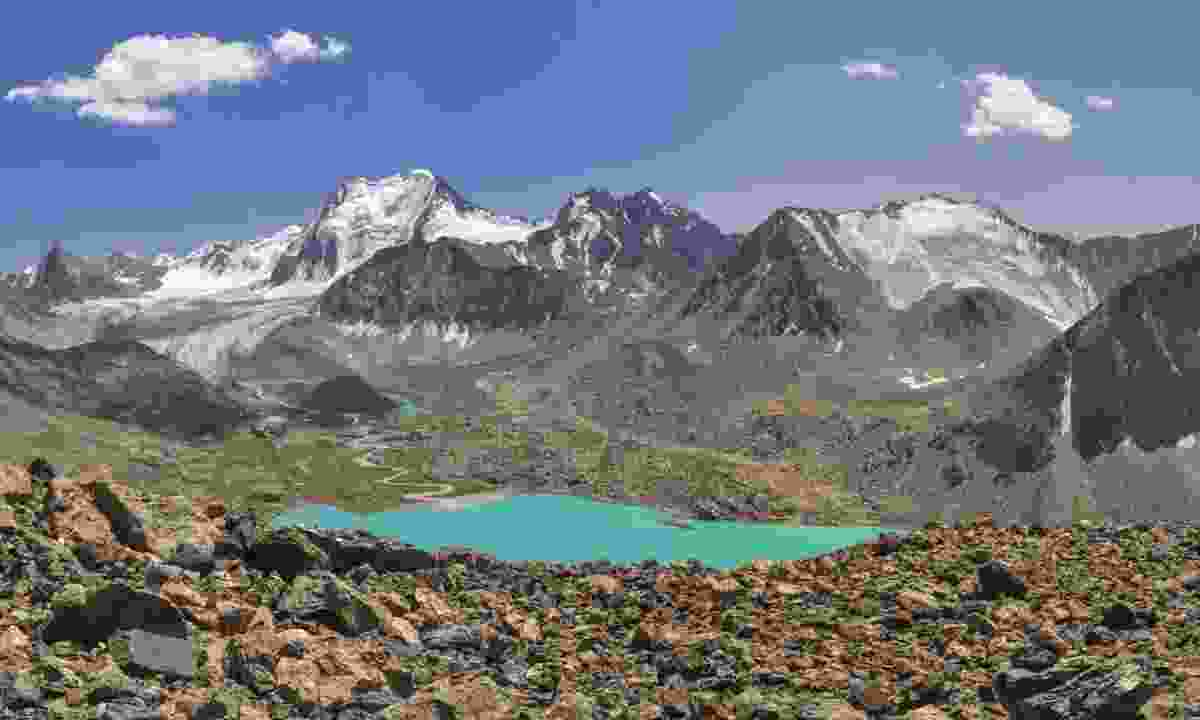 Explore Kyrgyzstan's mountains and lakes (Dreamstime)