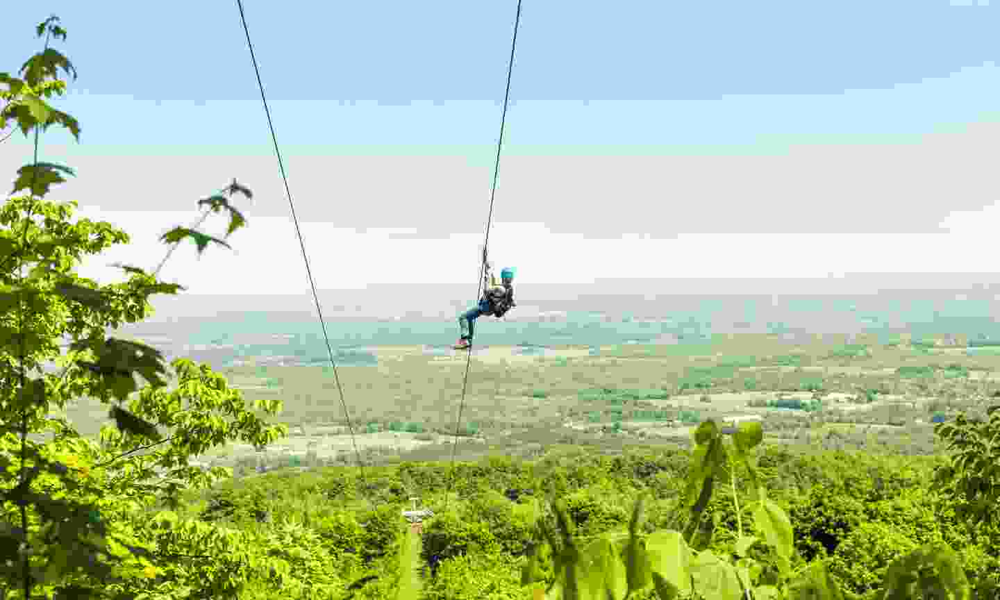 Zip-lining at Blue Mountain, Ontario (Dreamstime)