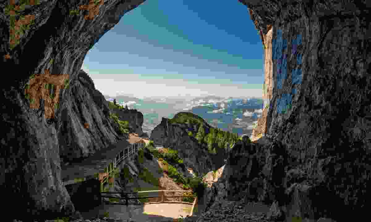 Eisriesenwelt cave (Dreamstime)