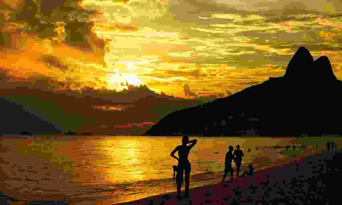Sunset over Copacabana (Dreamstime)