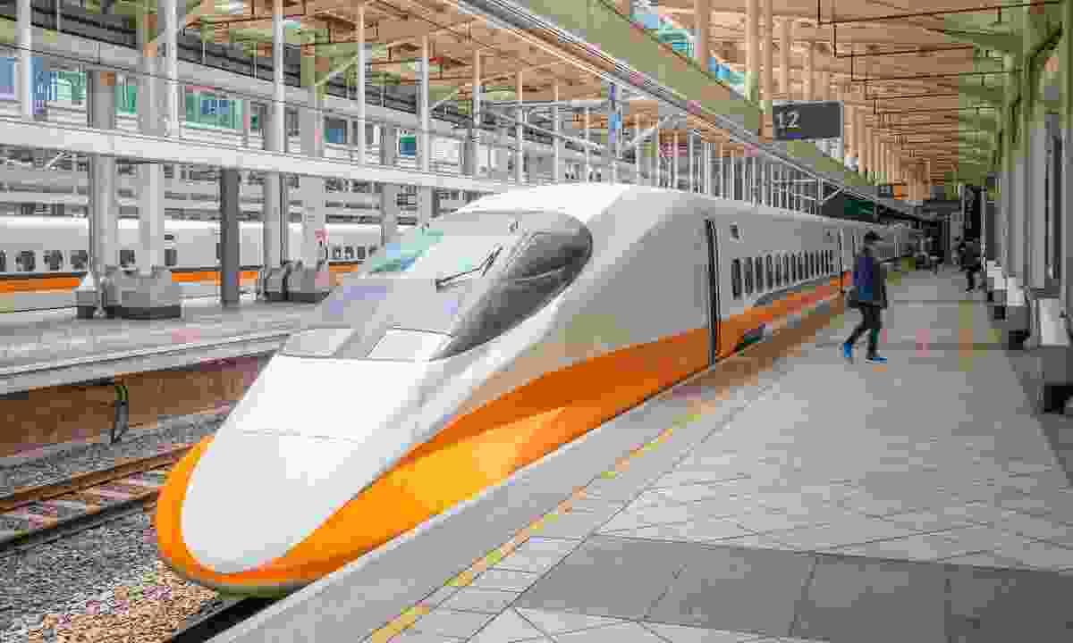THSR bullet-train (Shutterstock)