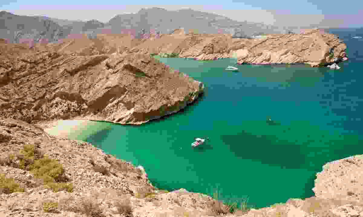 Cruising the Musandam Peninsula (Oman Tourist Board)