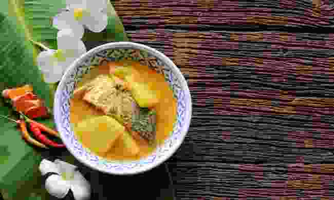 Yellow curry with snapper (Shutterstock)