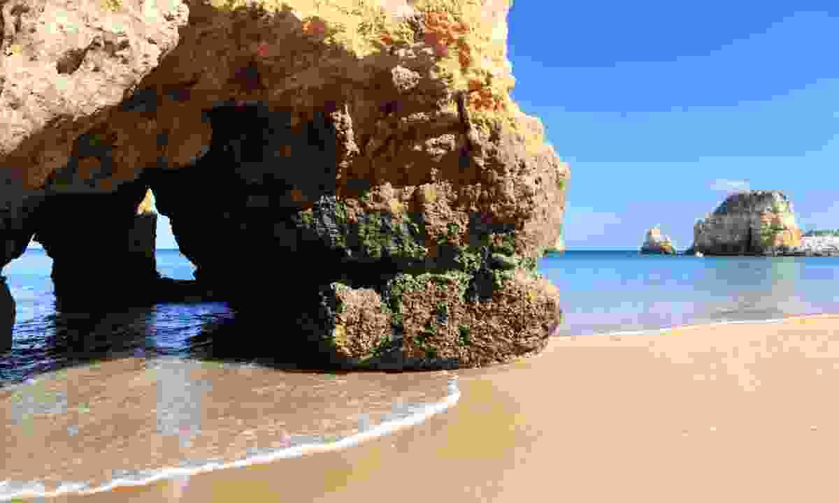 Praia Do Penedo beach (Dreamstime)