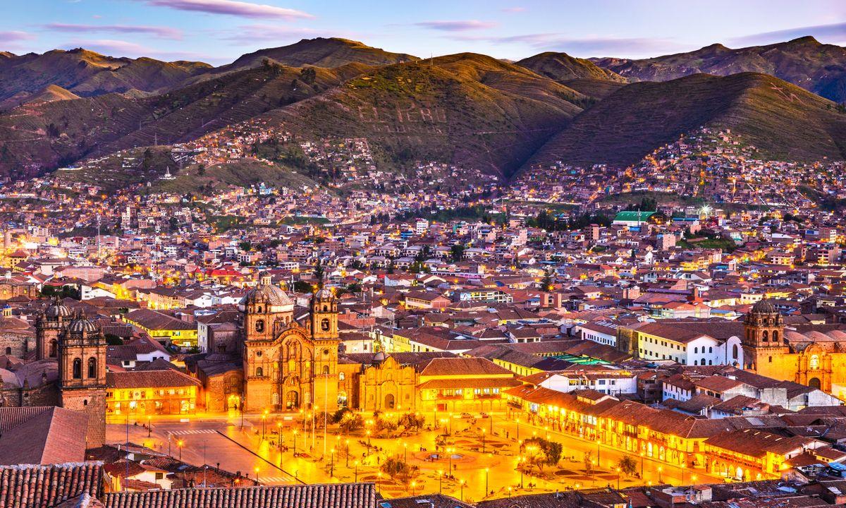Plaza de Armas and Church of the Society of Jesus, Cusco, Peru (Dreamstime)