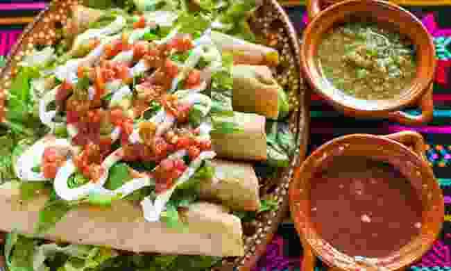 Chicken taco in Mexico City (Dreamstime)