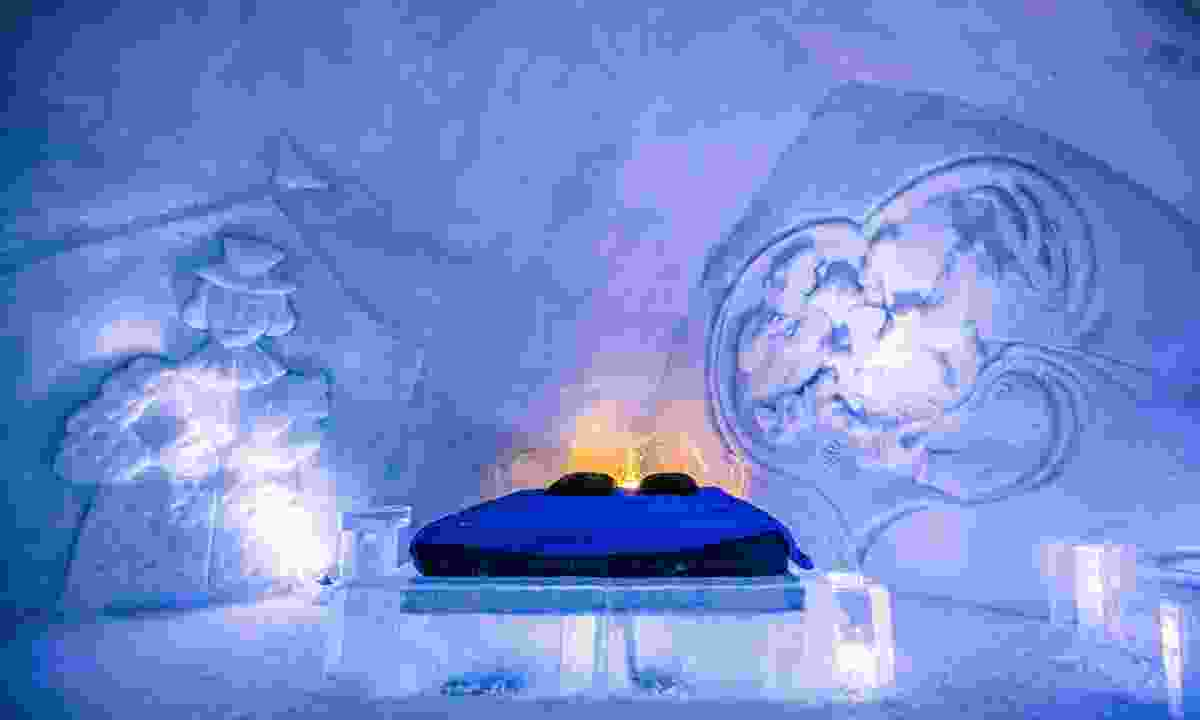 One of the 42 ice cool rooms at Hôtel de Glace in Quebec (Dreamstime)